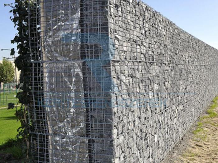 zajvédő kerítés otthonra